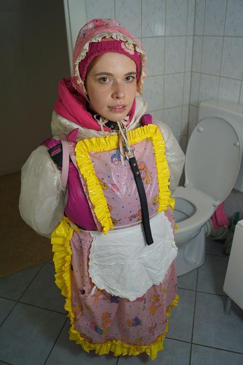 sevimli lastik fahişe - maids in plastic clothes
