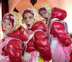 drei Zimmermädchen des DUBAI INN