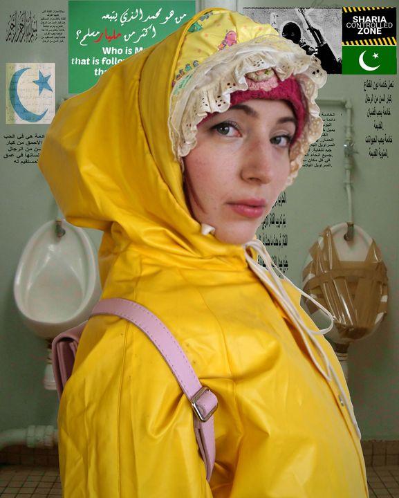 die trainierte Gumminutte scatyzulma - maids in plastic clothes