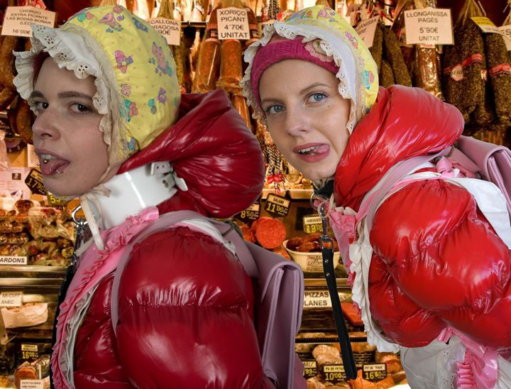Fleischwaren meat products منتجات ال - maids in plastic clothes