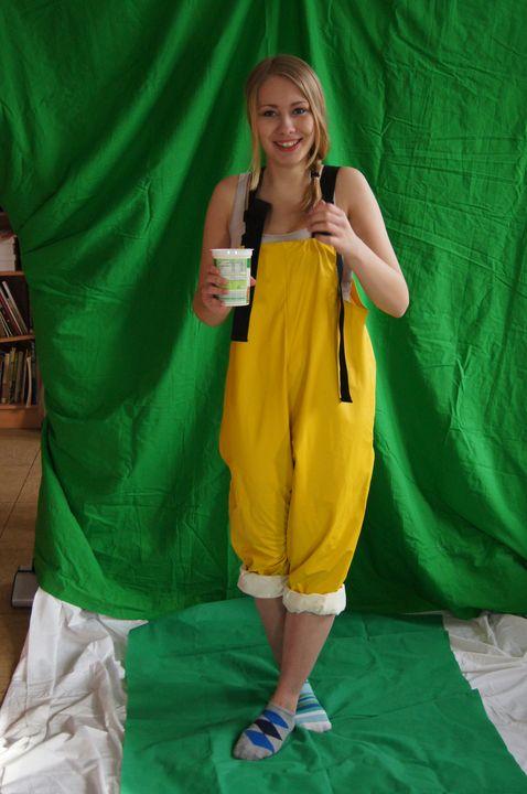 prostituerade ärvåta i gummisbyxorna - maids in plastic clothes