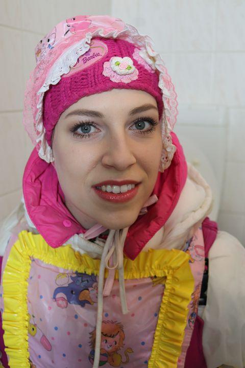 Gumminutte fahişezulma wird ermahnt - maids in plastic clothes