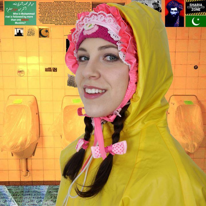 المرحاض المطاط الأصفر - maids in plastic clothes