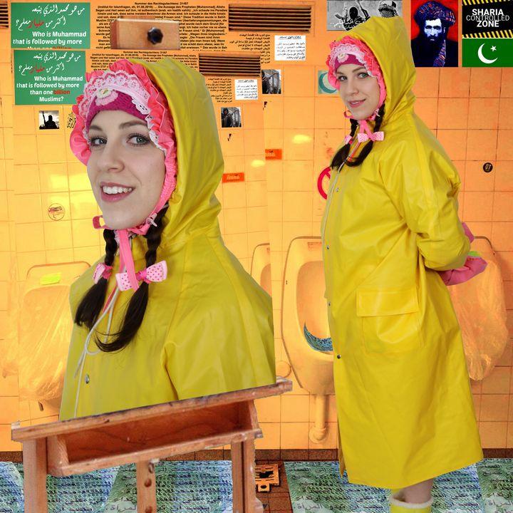 gelbes Gummiklo - maids in plastic clothes