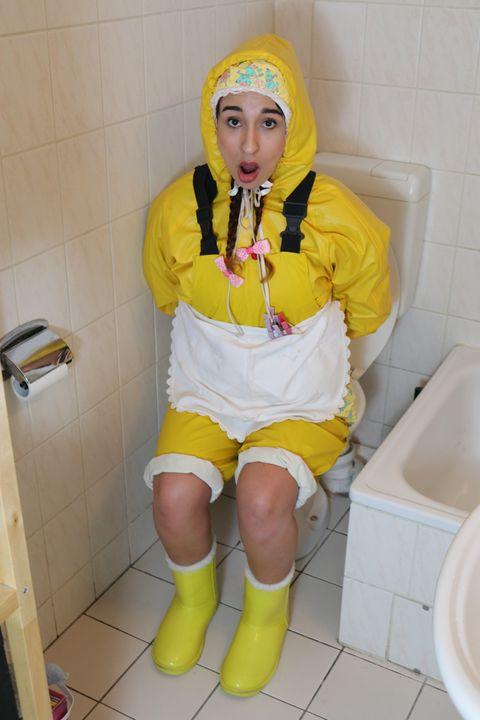 Gumminutte aljuru-maki hat Erfolg! - maids in plastic clothes