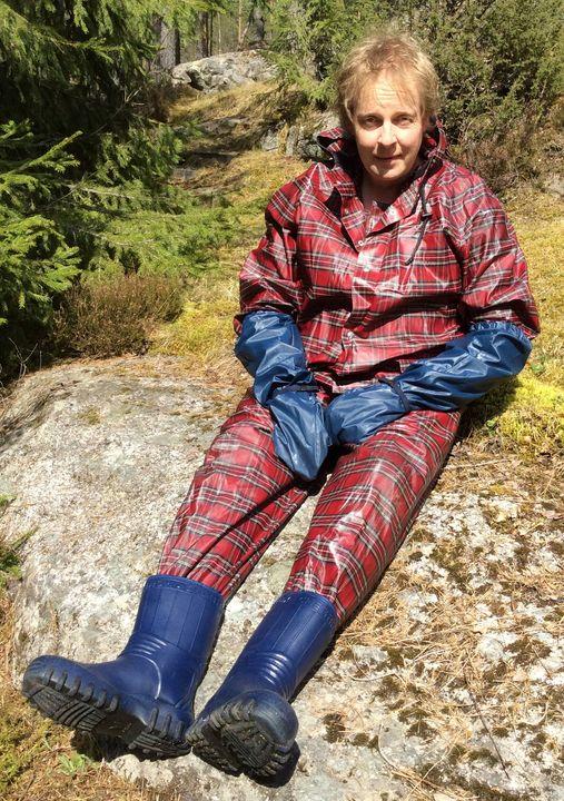 sissygirl Roy Farmerrain - maids in plastic clothes
