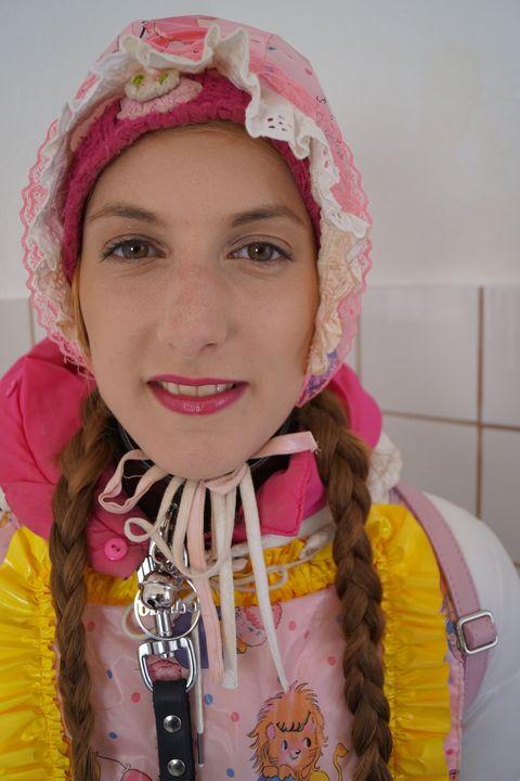 rubber whore koszicazulma - maids in plastic clothes