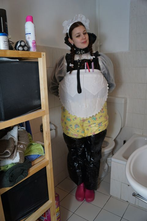 rubber whore smuttyzulma - maids in plastic clothes