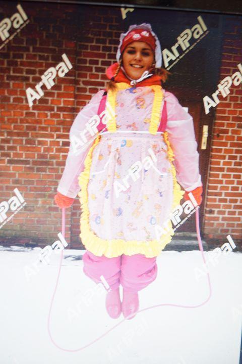 jumping maid ditina-kecelja - maids in plastic clothes