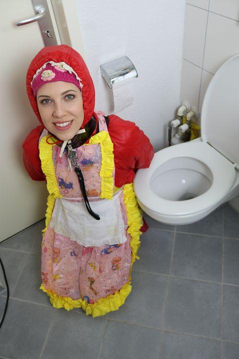 Hooker fahişezulma ju do - maids in plastic clothes