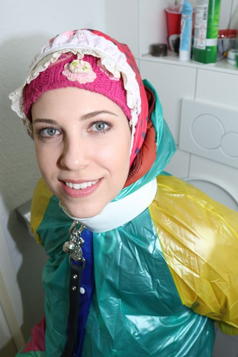 fahişezulma freut sich soo! - maids in plastic clothes