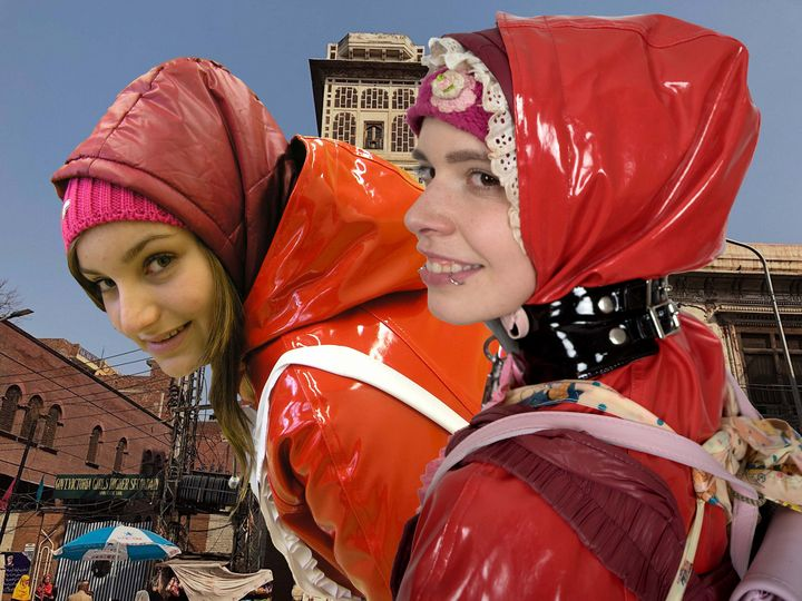 Mandub: Dhimmi Huren in Gummiburka - maids in plastic clothes