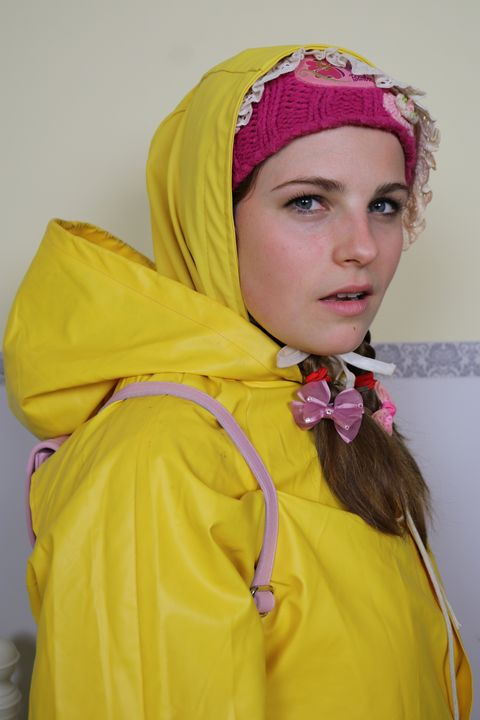 Teen in Friesennerz Hijab - maids in plastic clothes