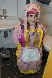 عاهرة المرحاض في مكان عملها