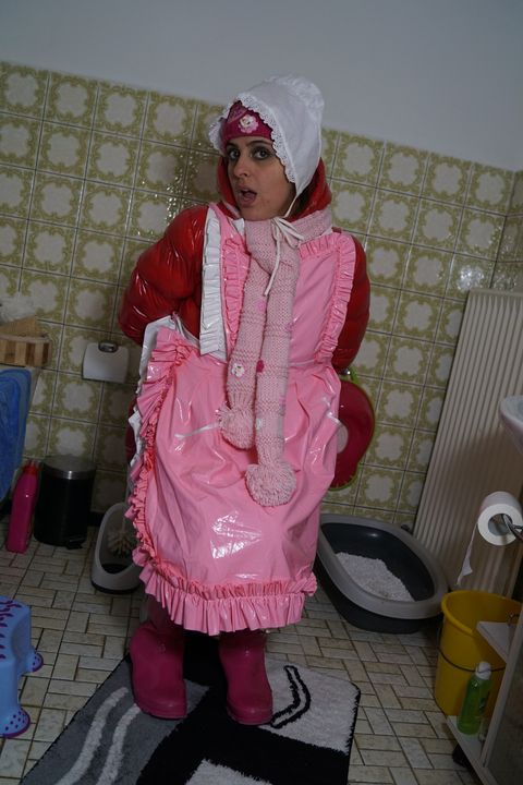 German maid Aisahservira for Muslims - maids in plastic clothes