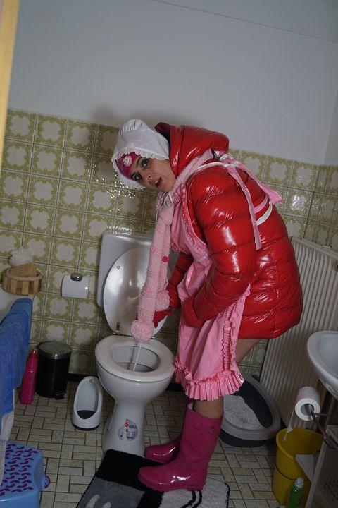 german toiletgirl Aishaservira - maids in plastic clothes