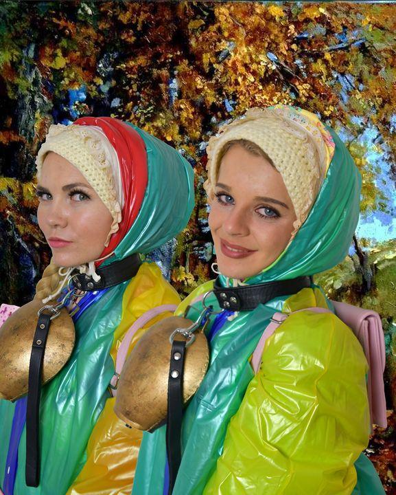 森の端にいるドイツの売春婦 - maids in plastic clothes