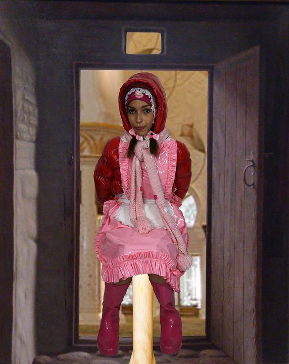 モスクの前室で売春婦 - maids in plastic clothes