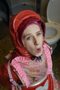 the beautiful toiletgirl Nallezulma
