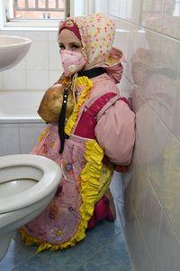 german Dhimmi toilet Ailika