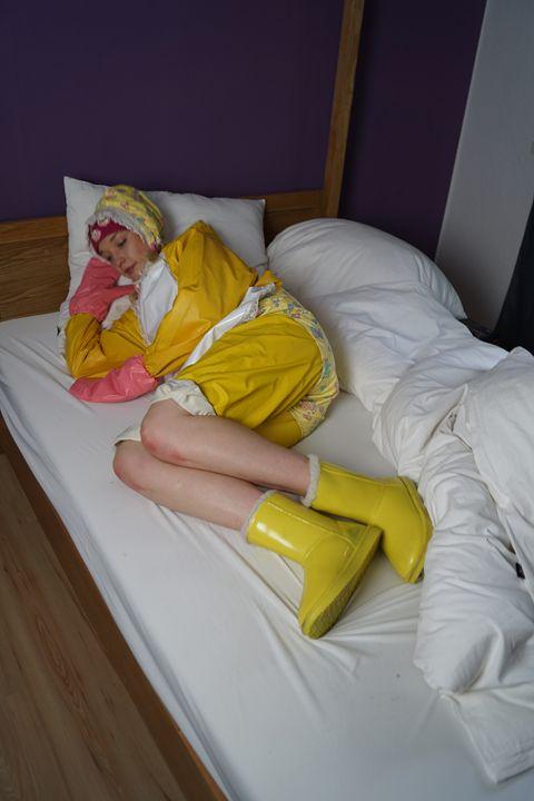 maid derma padrusnika - maids in plastic clothes