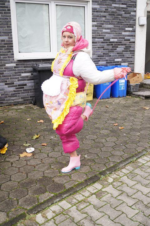 unathletic maid zulmapadrusnika - maids in plastic clothes