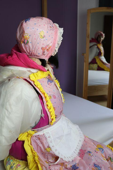maid gorlasberma - maids in plastic clothes