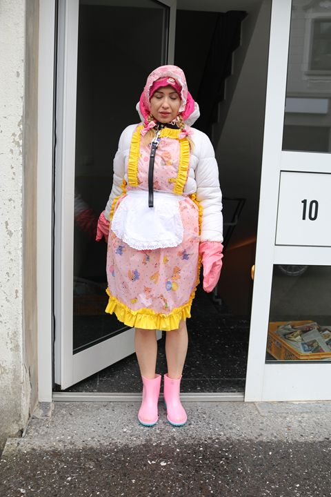"maid minjeta say: ""Welcome!"" - maids in plastic clothes"