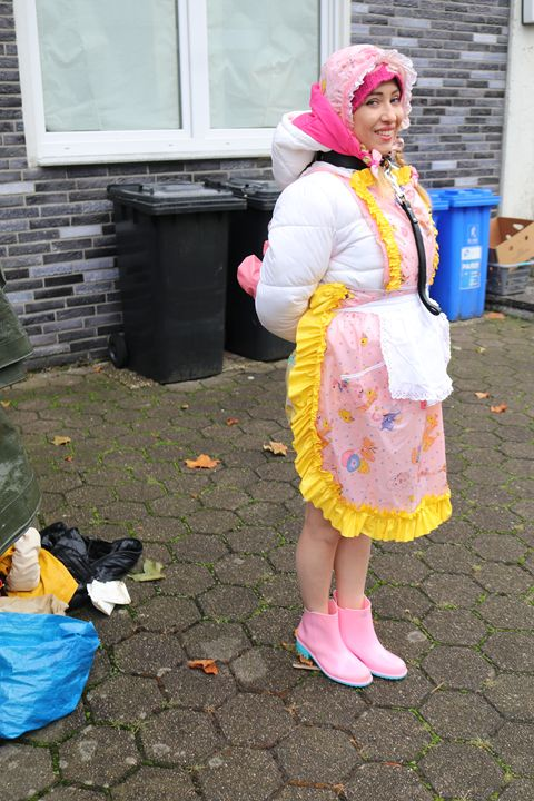 """maid minjeta says: """"Welcome!"""" - maids in plastic clothes"""