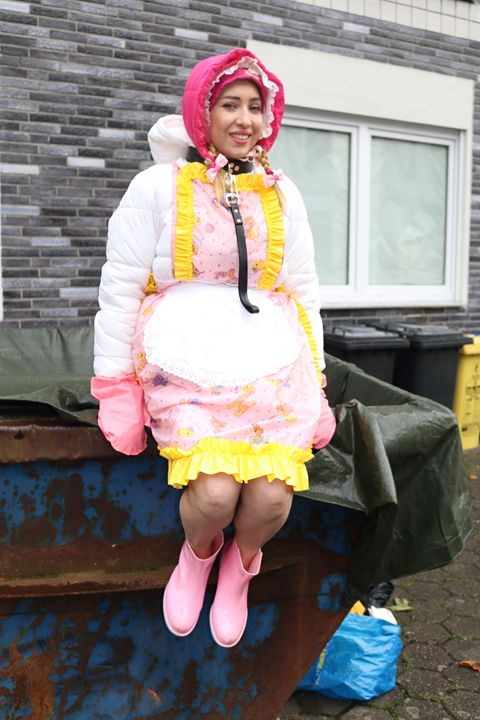 "maid minjeta says: ""Welcome!"" - maids in plastic clothes"