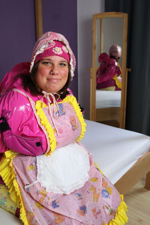 maid jirnajasea - maids in plastic clothes