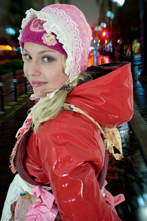 streetmaid zulmapadrusnika - maids in plastic clothes