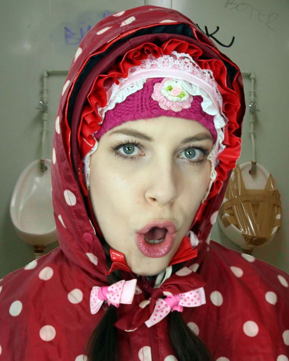loomaid fahishezulma - maids in plastic clothes