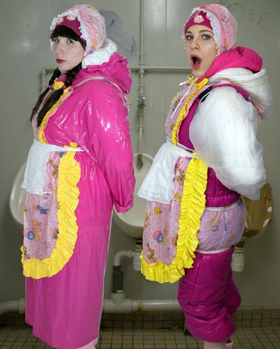 loomaids fahischezulma mastyzulma - maids in plastic clothes