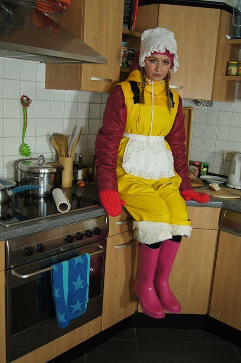 scullerymaid abinja-zulma - maids in plastic clothes