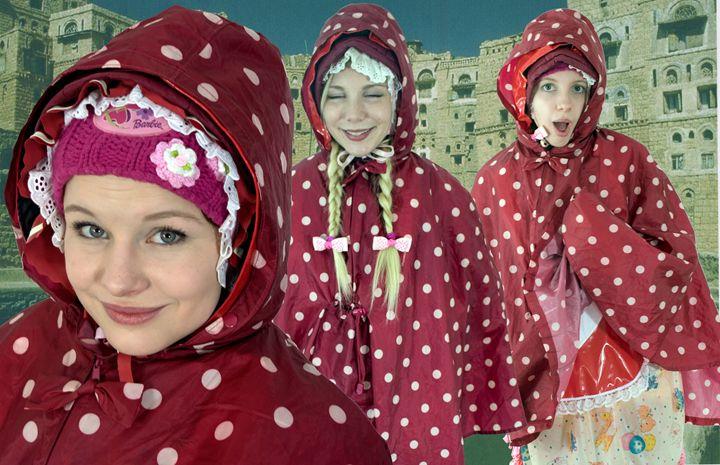 raincape maids in Orient - maids in plastic clothes