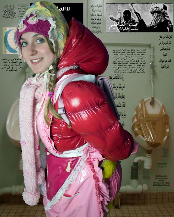 loomaid morona pigleta in Orient - maids in plastic clothes
