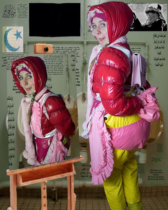 loo-maid morona pigleta in Orient - maids in plastic clothes