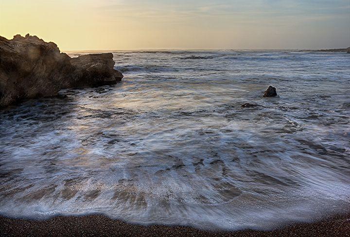 Outgoing Surf - Gilbert Draper Photography