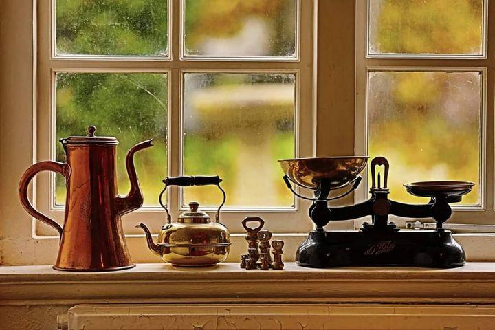 Classical still life teapot - Abedalrahman samara