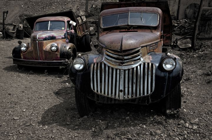 Two Old Trucks - Dave Gordon Arts