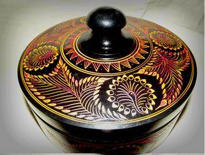 Sri lanka lacquerware (laksha) -  Shanakamaduranga73