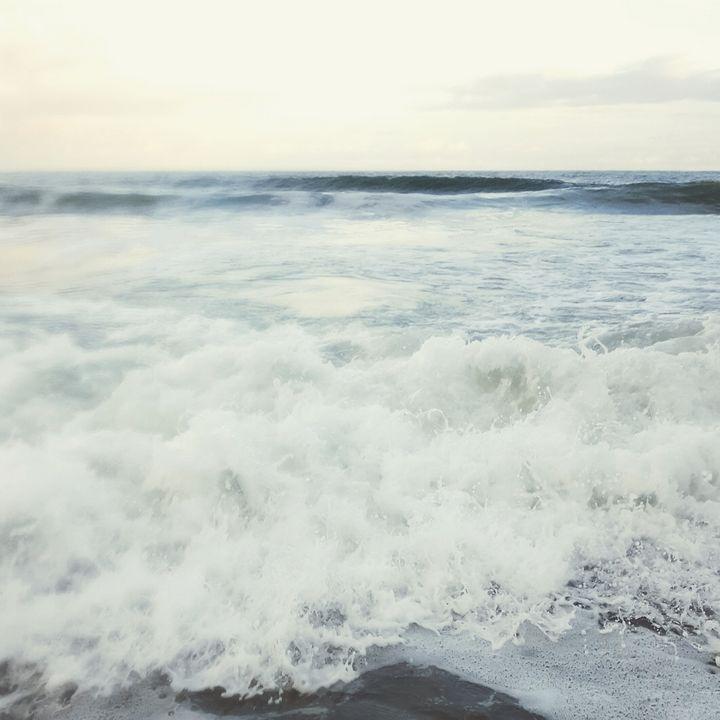 Waves - Peyton's Mind