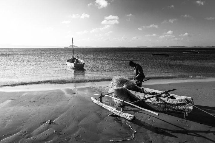 Malagasy fisherman - Pierre-Yves Babelon
