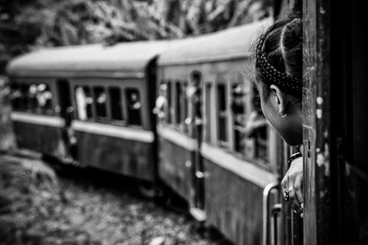 At the window of the train - Pierre-Yves Babelon