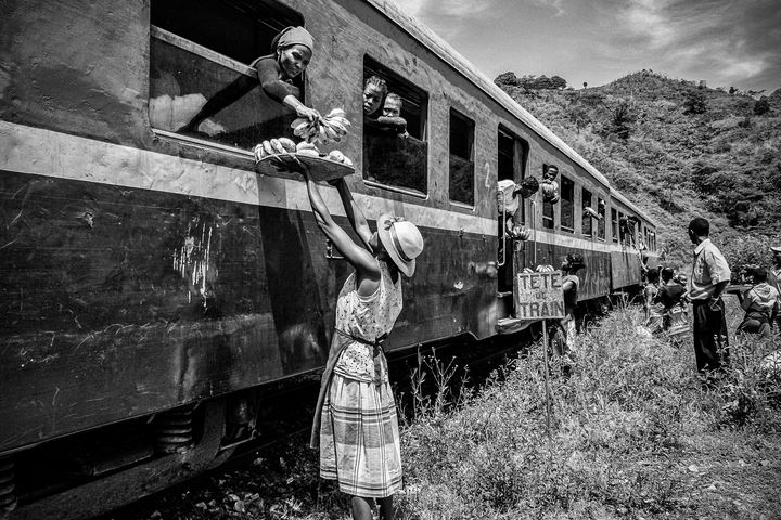 Refueling at the station - Pierre-Yves Babelon