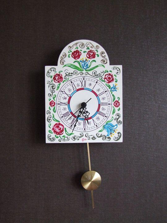 Wall clock with pendulum - handmade - Lenn-Art