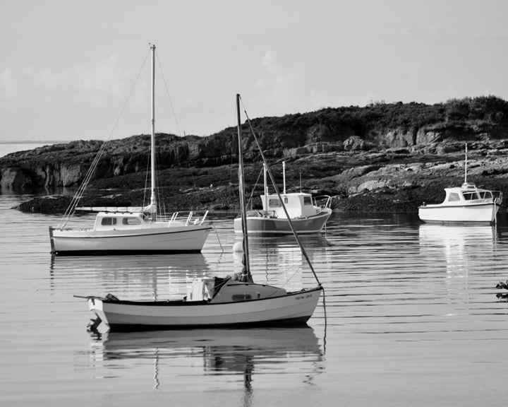Boats at Anchor, Millport, Scotland - Gemo Art