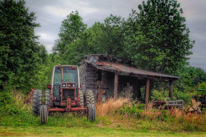 Old Tobacco Smokehouse - Sean Toler Photo