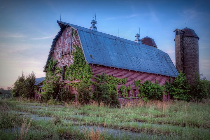 Abandoned Barn in Goochland Co., VA - Sean Toler Photo
